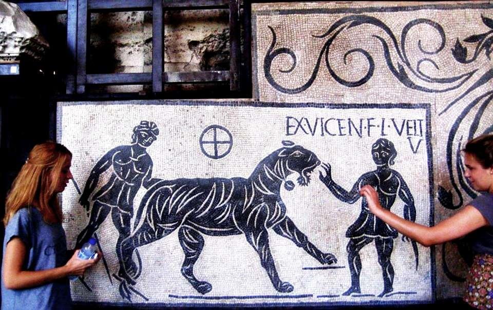 Kolezyum (Colesseo)'un İçerisinde Sergilenen Bir Mozaik