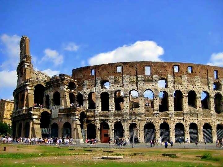 Kolezyum (Colesseo)'un Dıştan Görüntüsü- Colesseo Roma