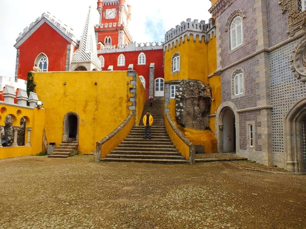 Pena Sarayı (Palácio da Pena) İç Avlu