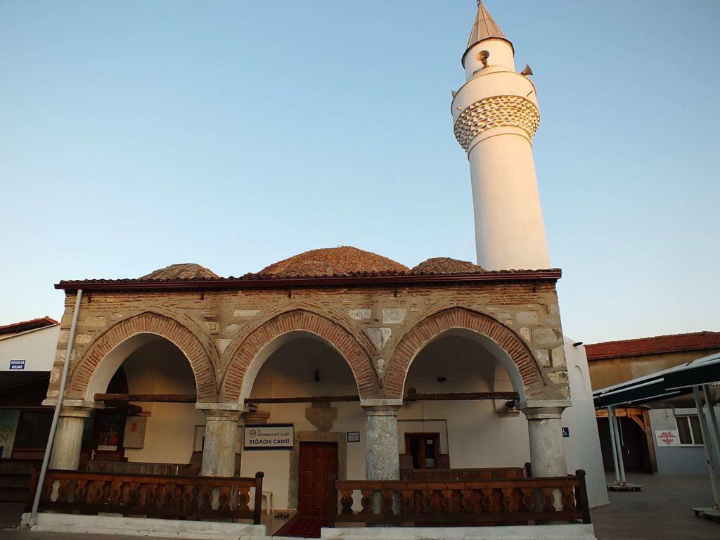 Sığacık Camii