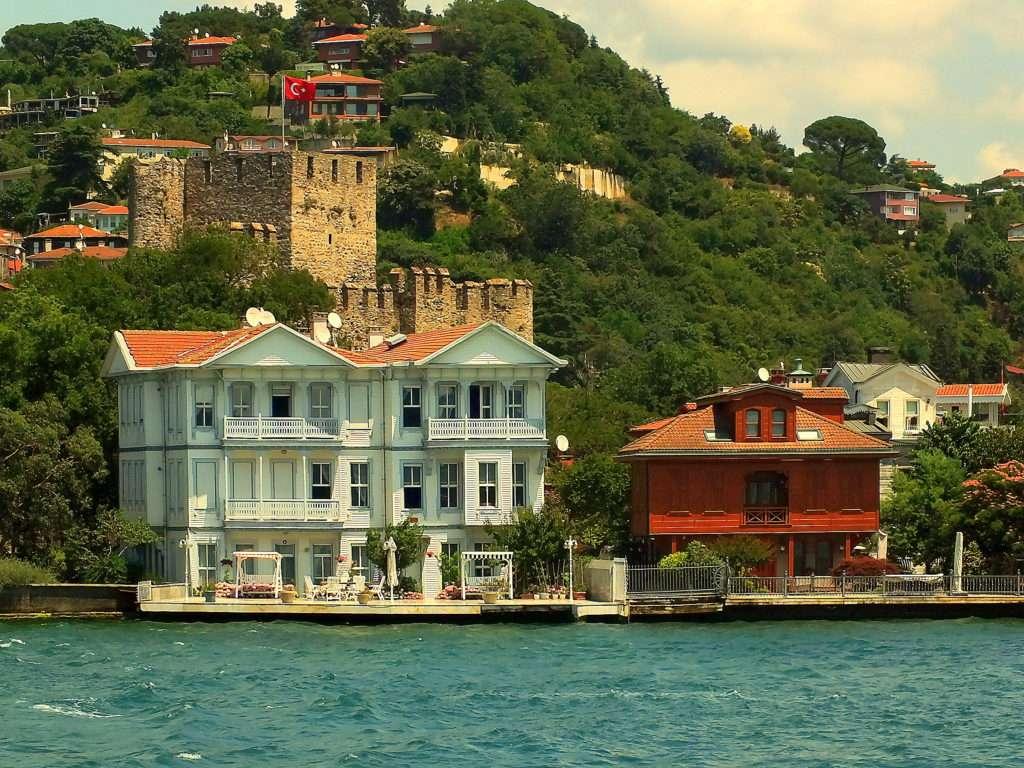 Anadolu Hisarı Denizden