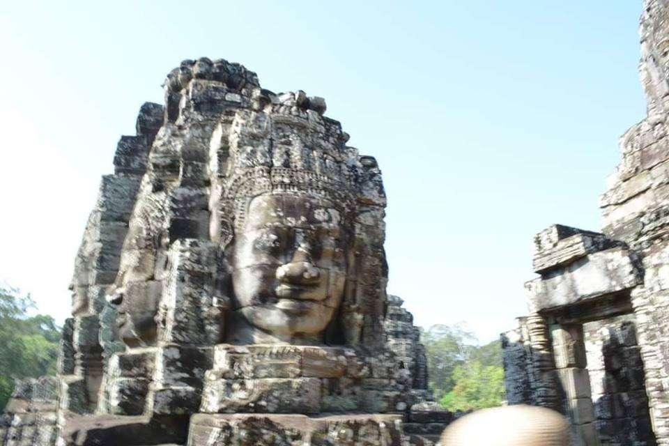 Angkor Thom Tapınağı (អង្គរធំ)