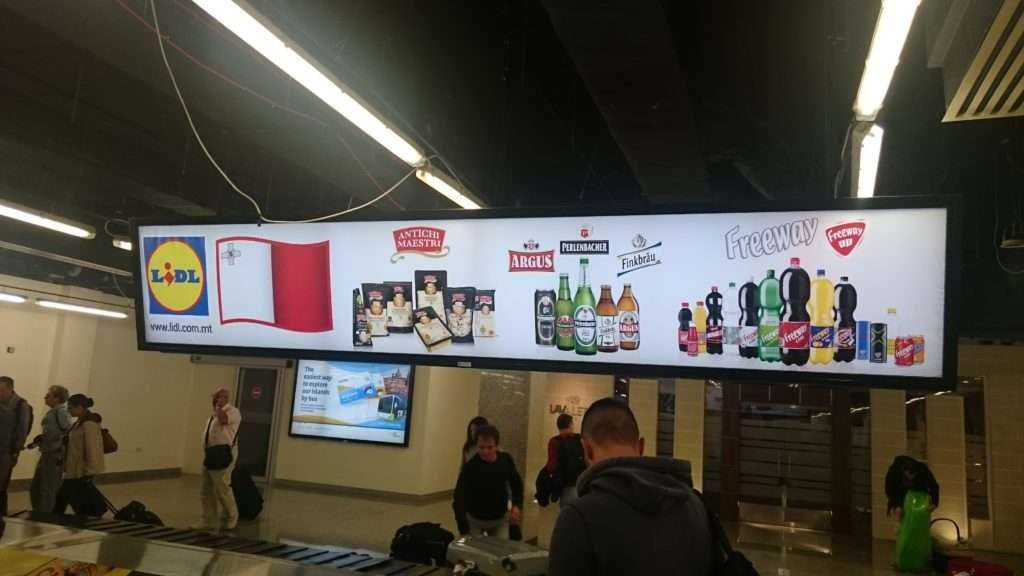 Havaalanında Lidl Reklamı