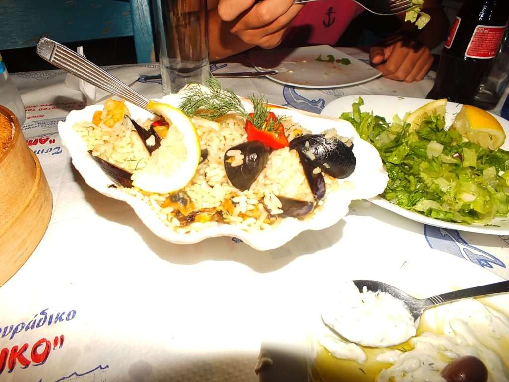 Apiko Restaurant (Απίκο Τσιπουράδικο) Deniz Ürünlü Risotto (Πιλάφι θαλασσινών)