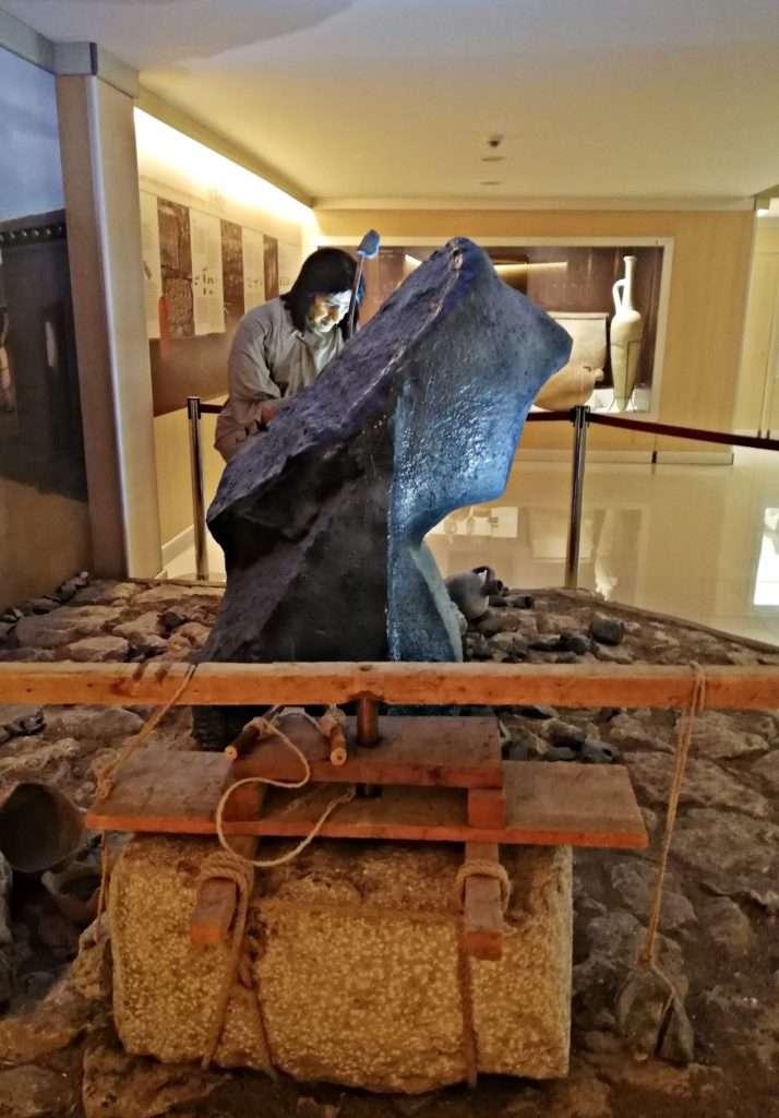 Hititli Heykeltraş - Boğazköy Müzesi