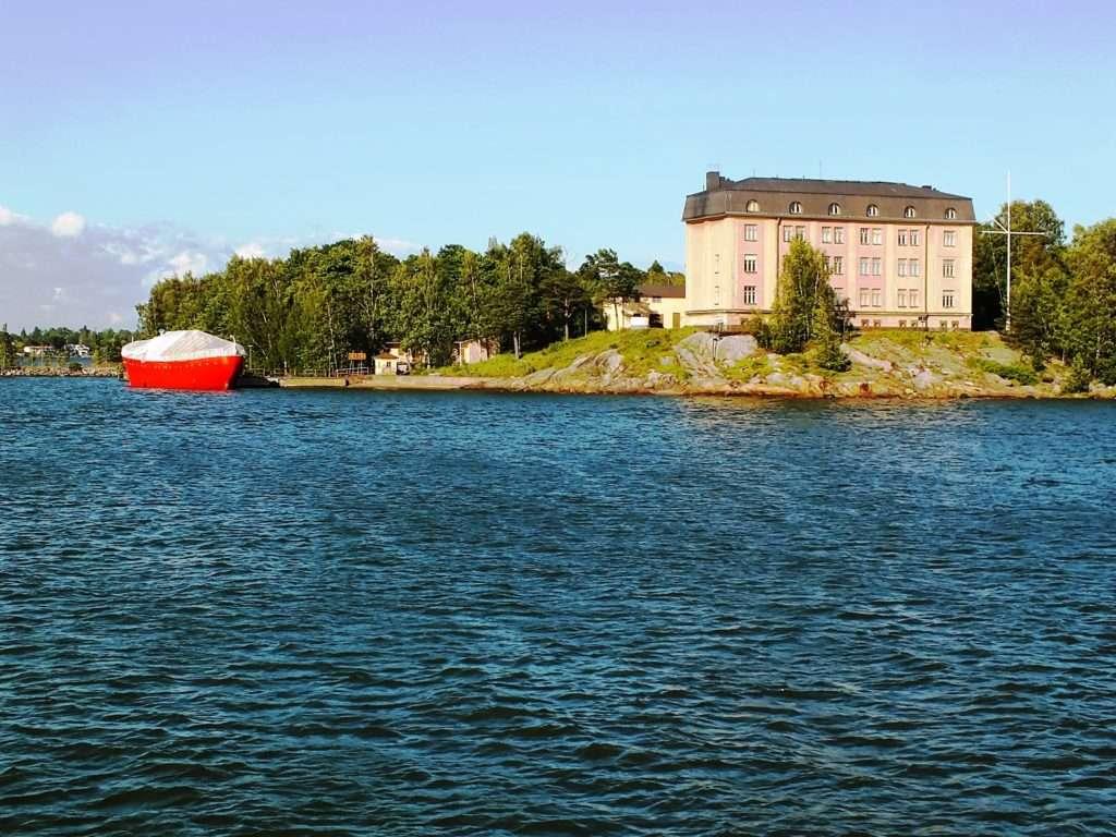 Hylkysaari Adası