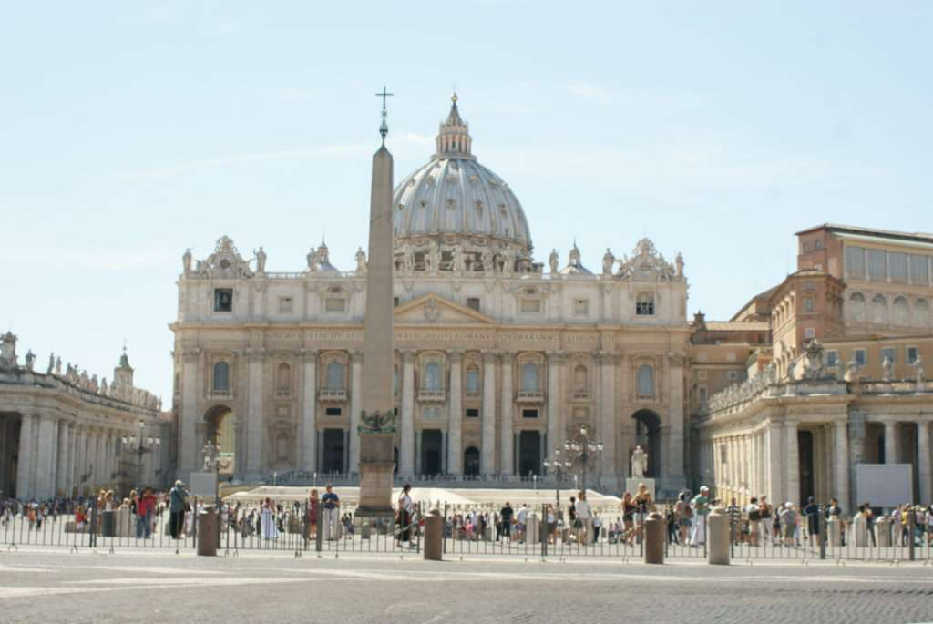 Kısa Roma Gezi Rehberi Piazza San Pietro