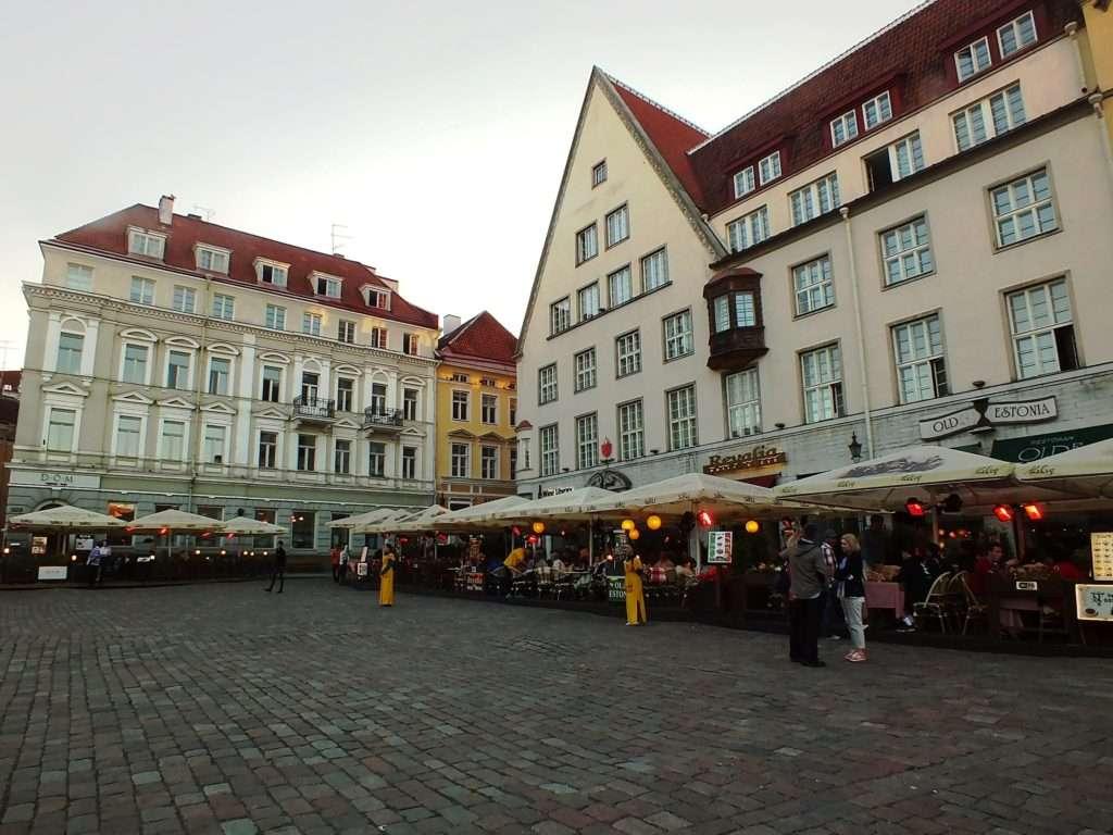 Tallinn Old Town Raekoja Plats (Belediye Meydanı)
