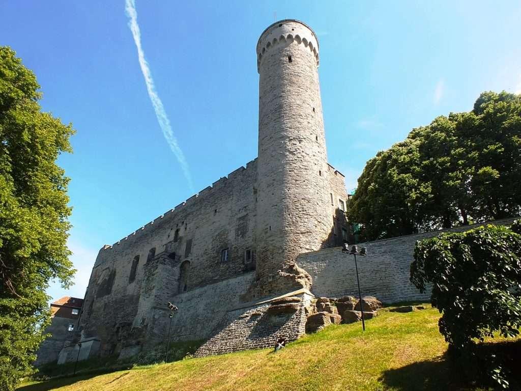 Toompea Tepesi Pikk Hermann (Uzun Hermann Kulesi)