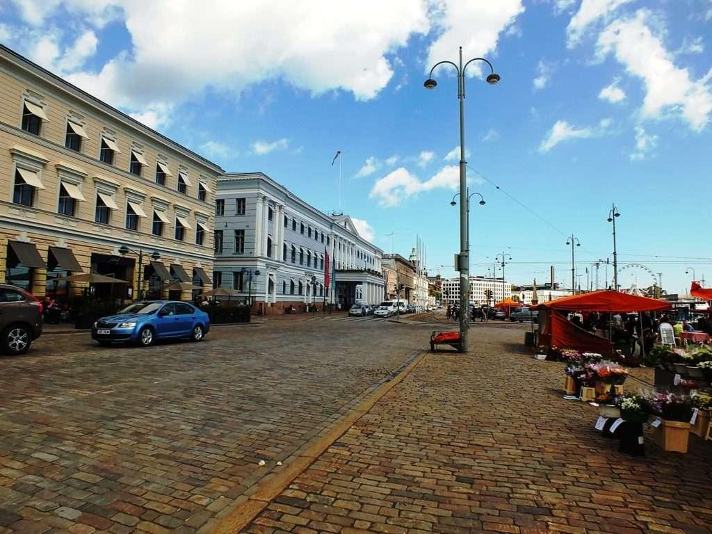 Helsingin Kaupungintalo (Helsinki Belediye Binası)