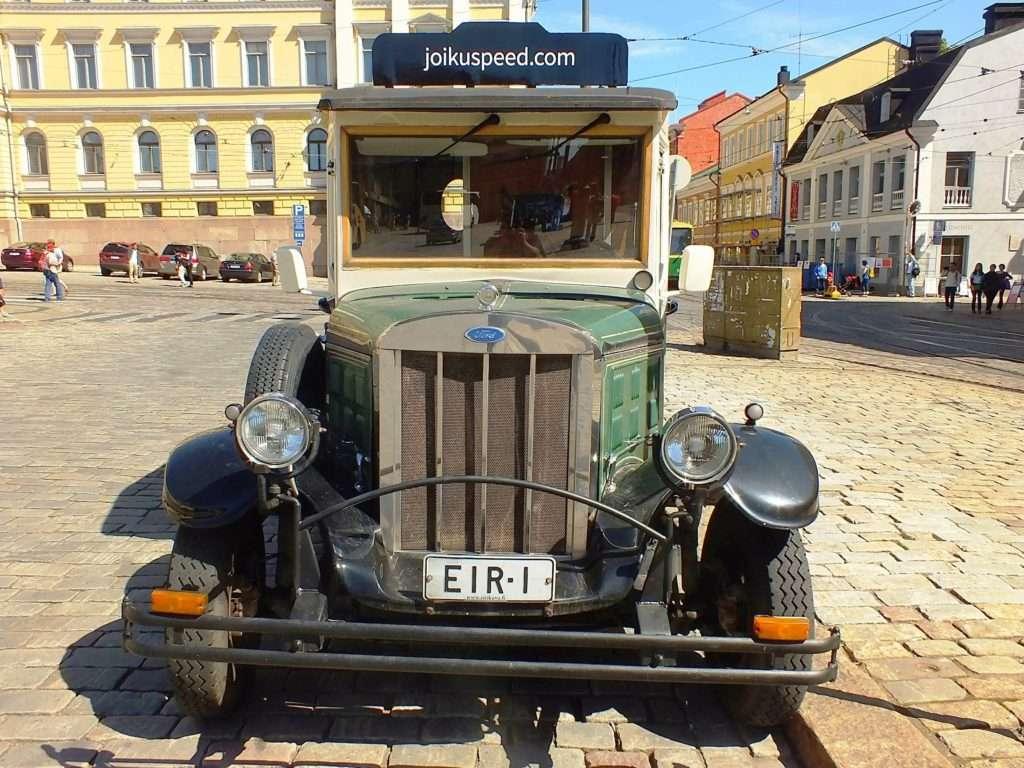 Helsinki ve Bir Eski Araba