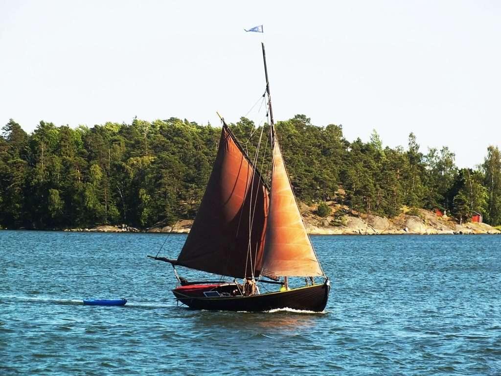 Helsinki'de Bir Yelkenli