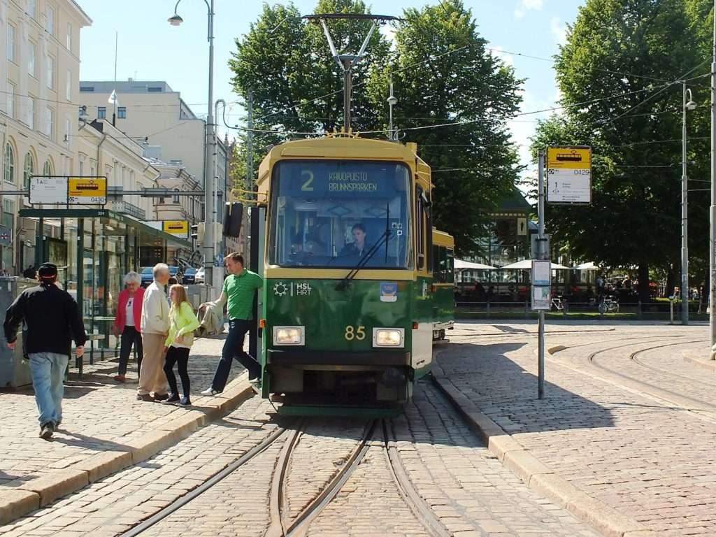 Helsinki'de Bir Kadın Tramvay Sürücü