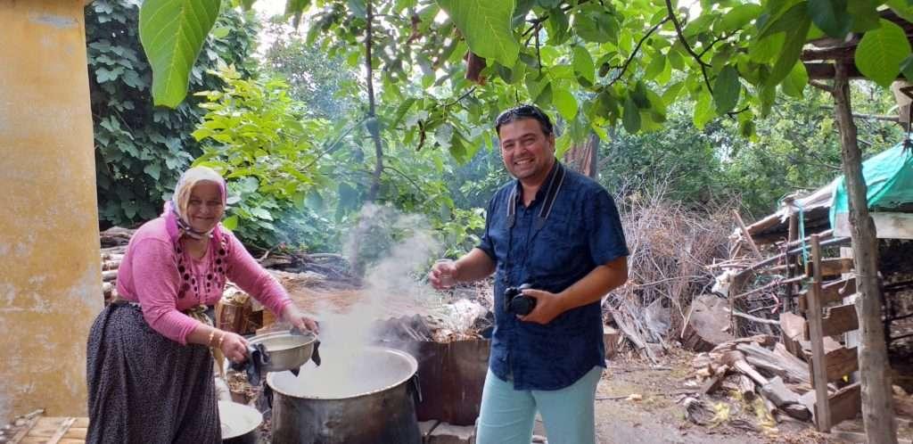 Değirmençay Köyü Doğal Kekik Suyu Yapımı