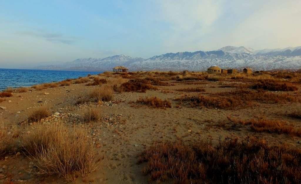 Issık Gölü Terk Edilmiş Turistik Tesisler