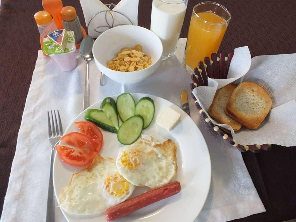 Bişkek'te Ne Yenir? Nerede Yenir? Otel Kahvaltısı