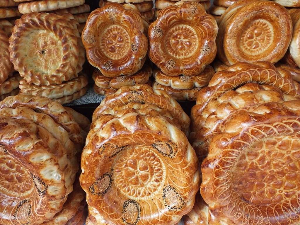Oş Pazarı Kırgız Ekmekleri