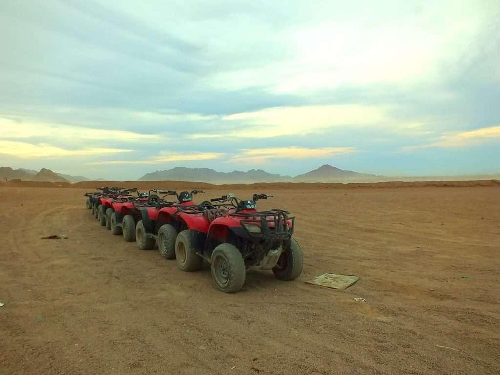 Sina Çölü'nde ATV ya da Quad Bike Sürüşü