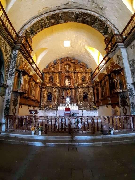Interior de la iglesia de Maca