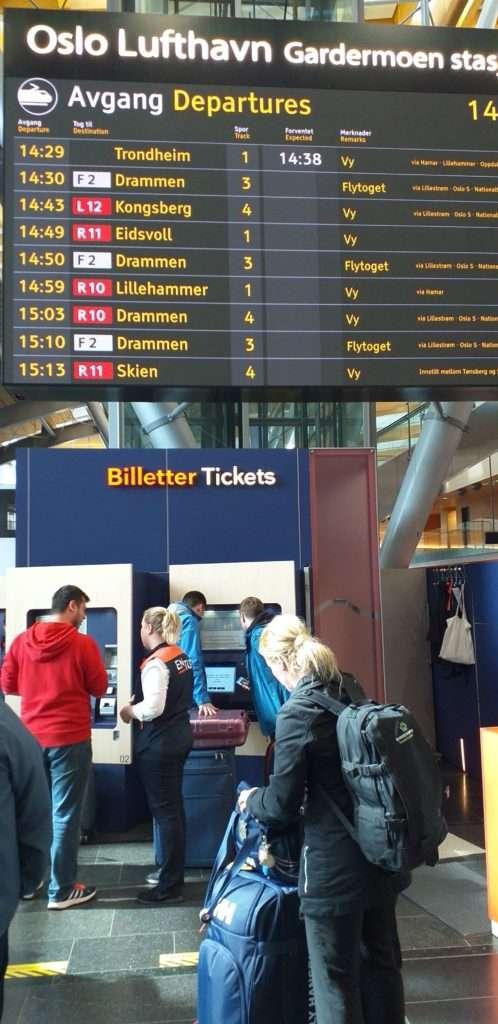 Oslo Gardermoen Havalimanı (Oslo Lufthaven)(OSL) Biletmatikler