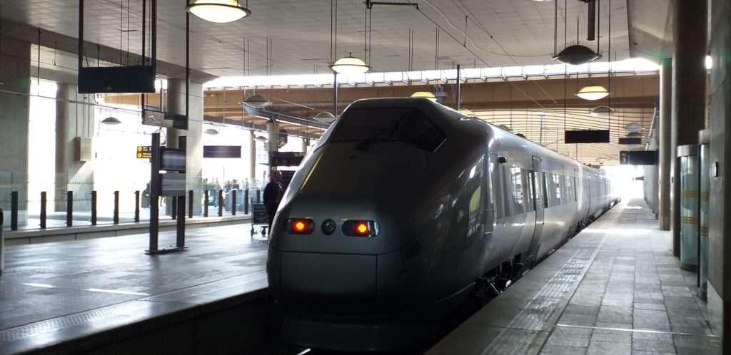 Oslo Ulaşım SistemiFlytoget Express Treni