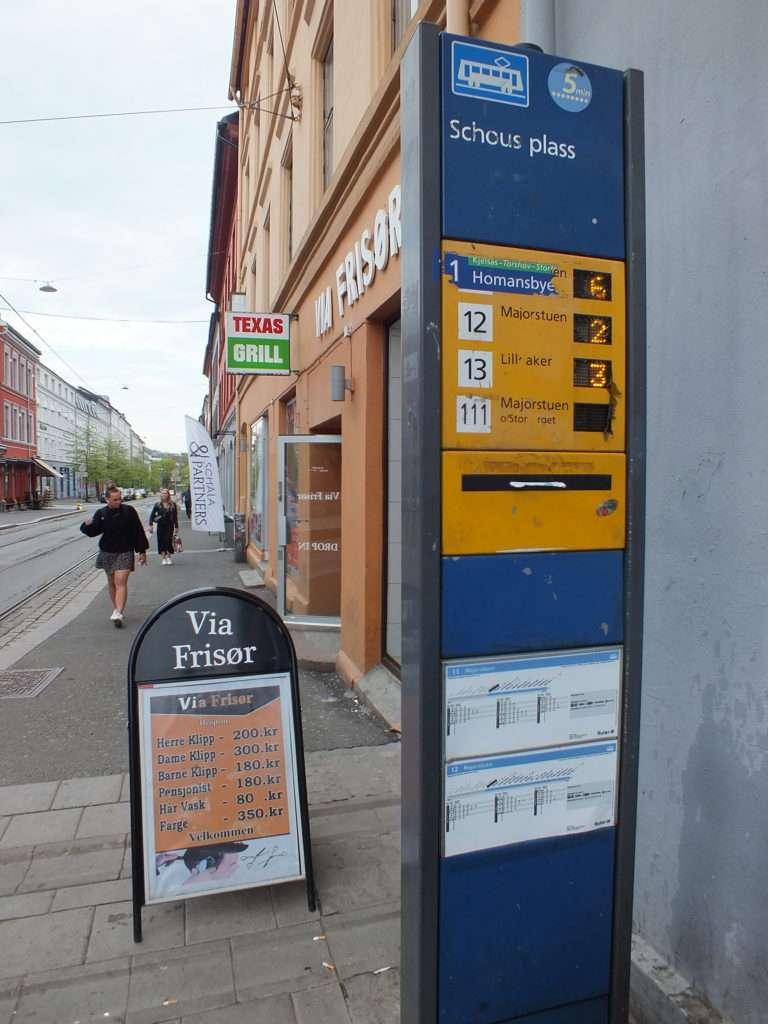Oslo'da Bir Tram Durağı