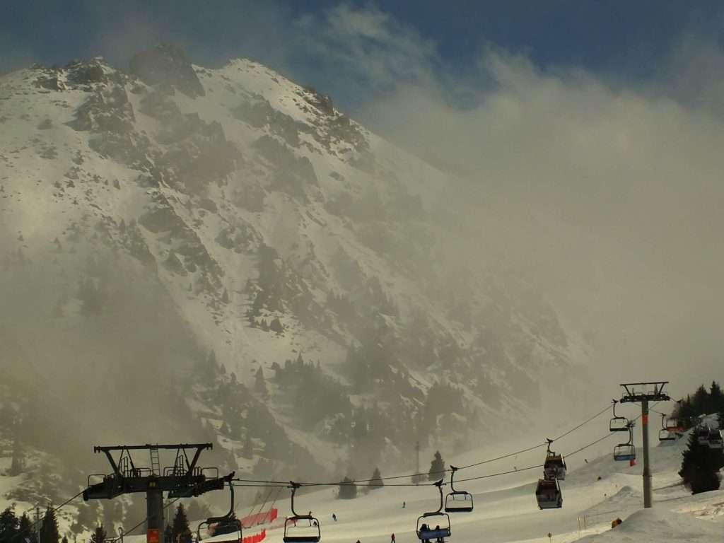 Geldiğimizde Shymbulak Kayak Merkezi