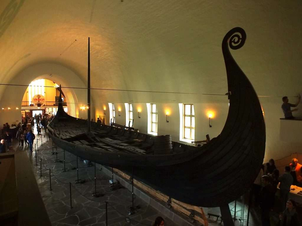 Viking Gemi Müzesi (Vikingskipshuset) Oseberg Gemisi