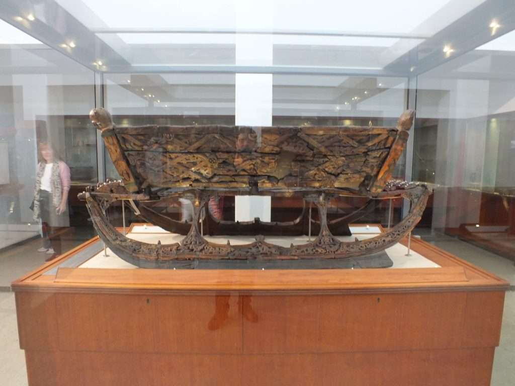 Oseberg Gemisi Kazısında Bulunan Bir Kızak