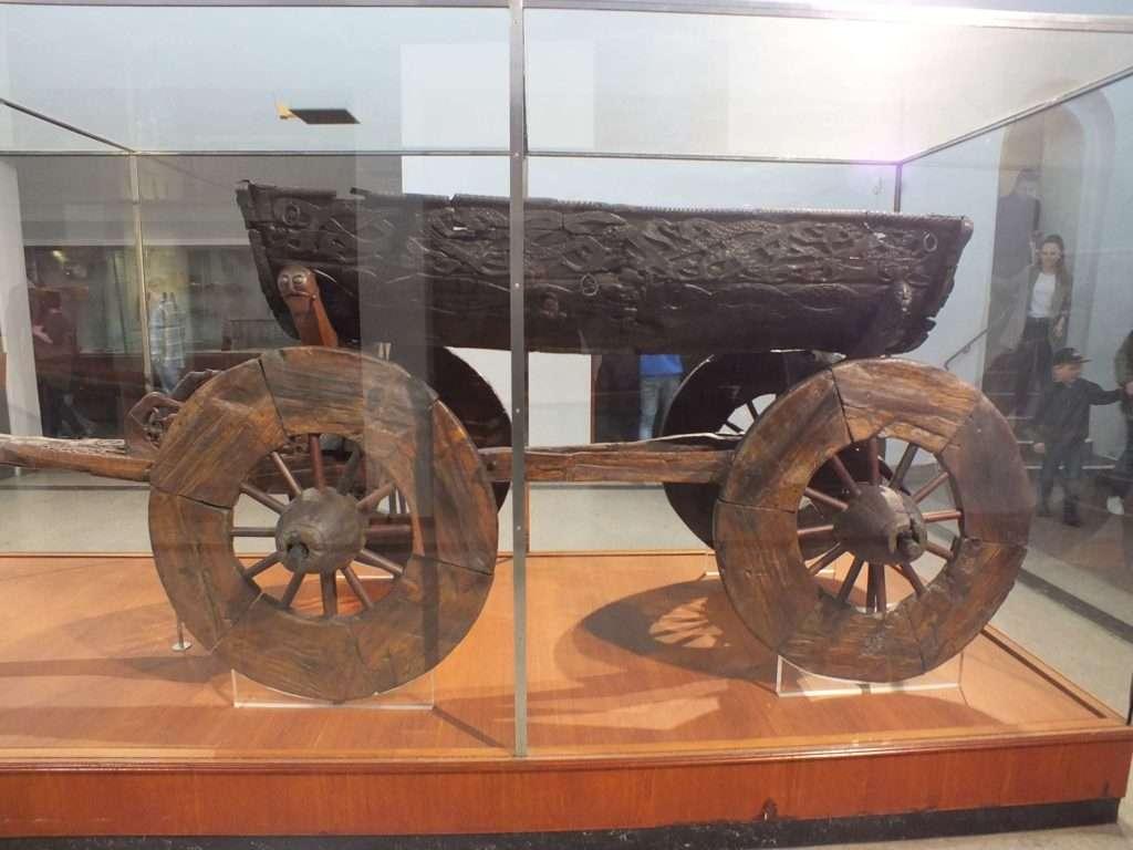 Viking Gemi Müzesi (Vikingskipshuset) Oseberg Gemisi Kazısında Bulunan Araba
