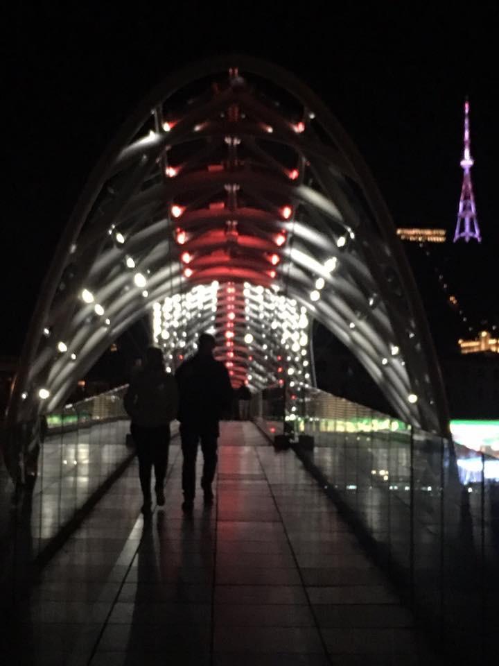 Tiflis Barış Köprüsü Gece
