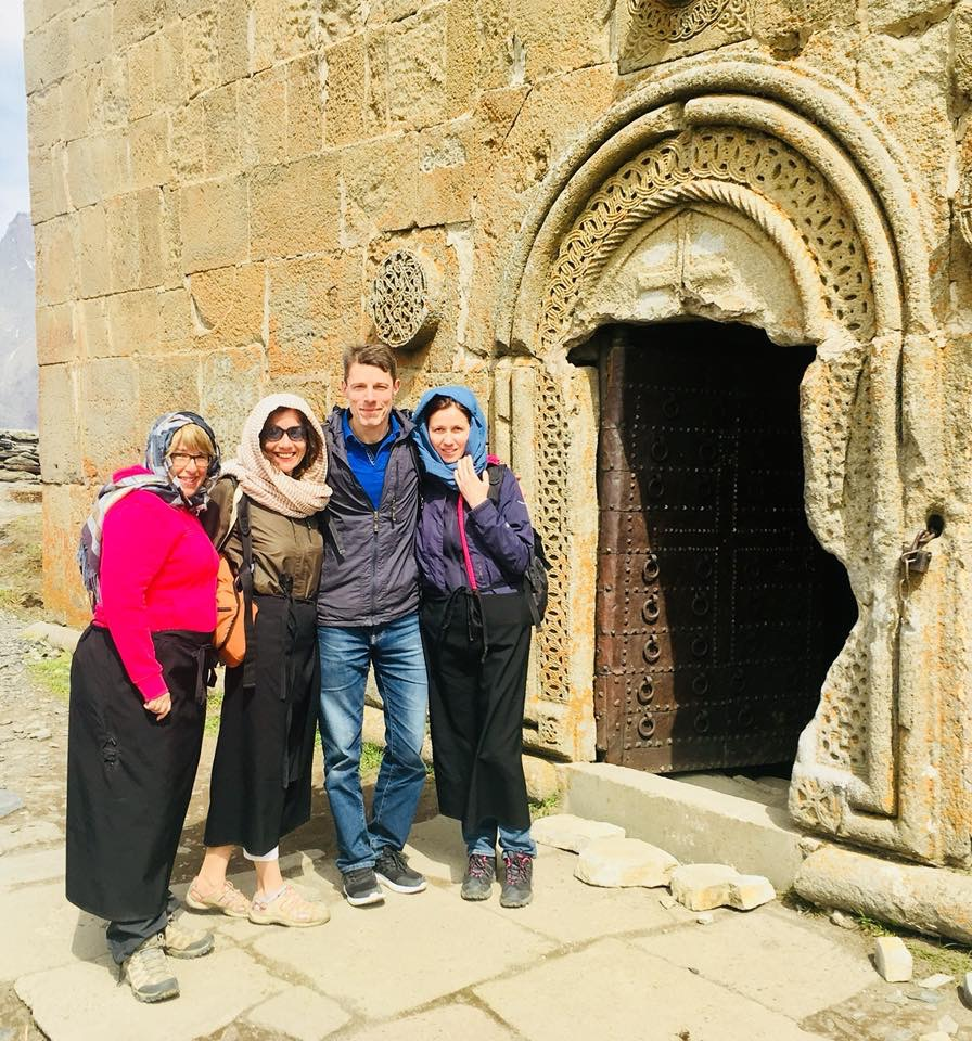 Gergeti Sameba, Kafkas Dağları'nın Tepesinde Bir Manastır