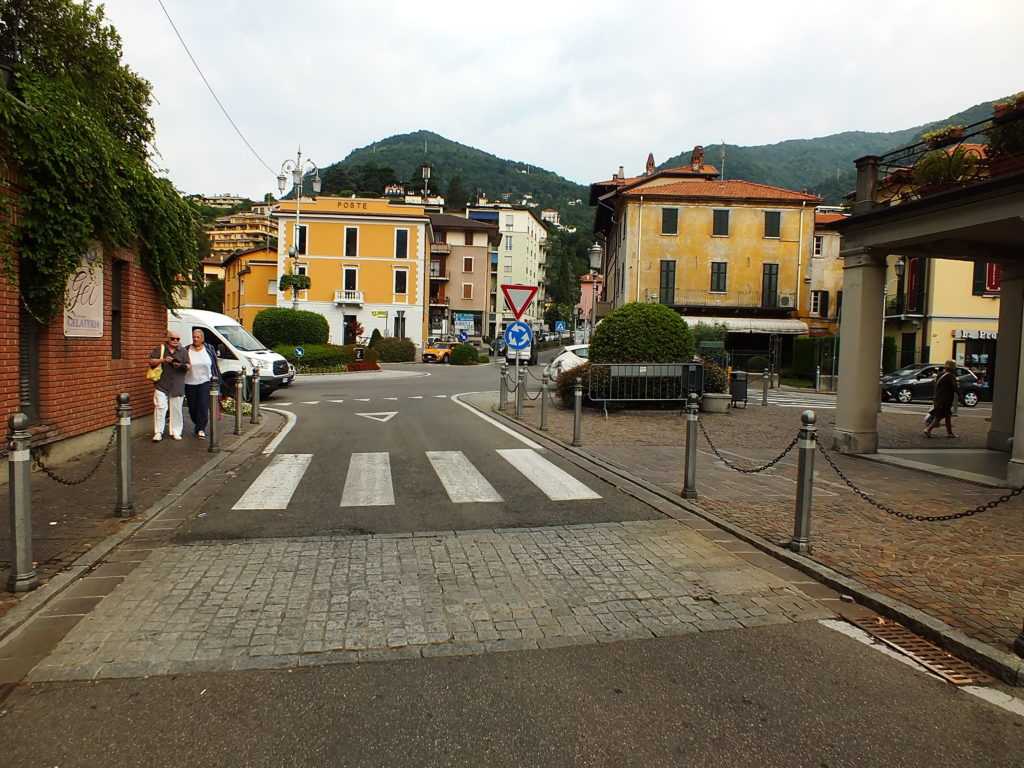 Cernobbio Piazza Giuseppe Mazzini