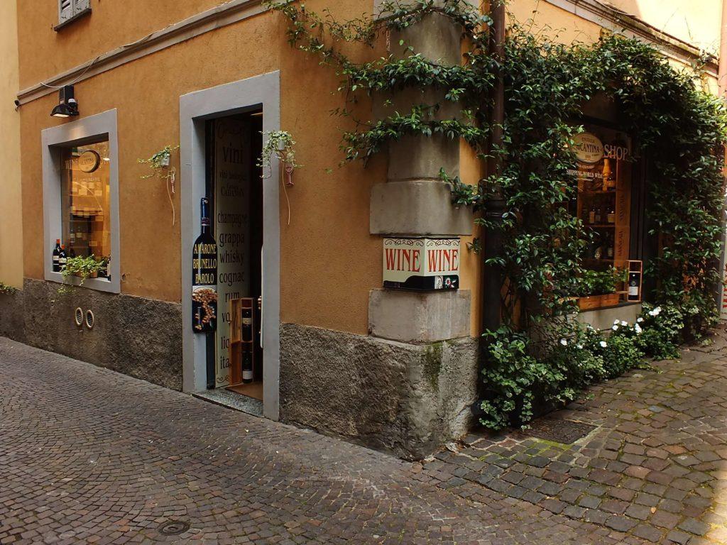 Cernobbio'da Şarap Mağazaları