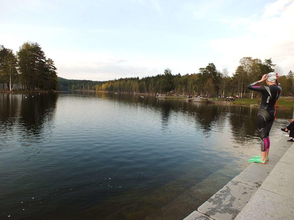 Sognsvann Gölü Yüzen İnsanlar