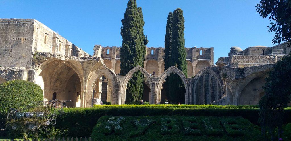Bellapais Manastırı Avlu