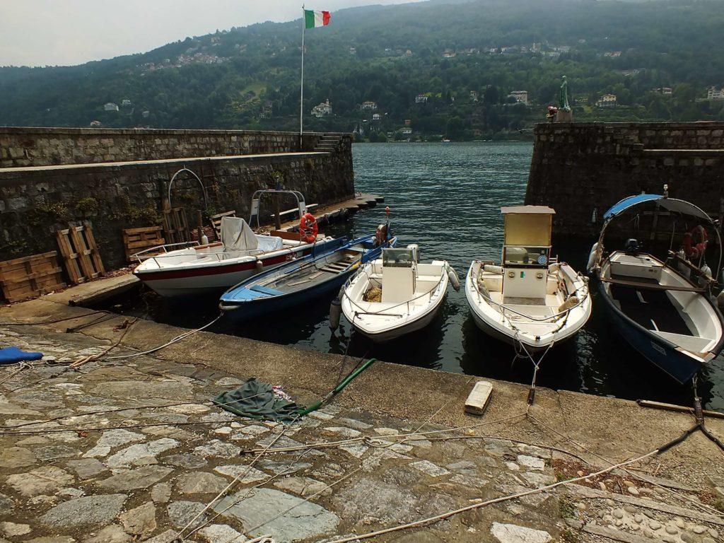 Ada Limanı ve Meryem Ana Heykeli