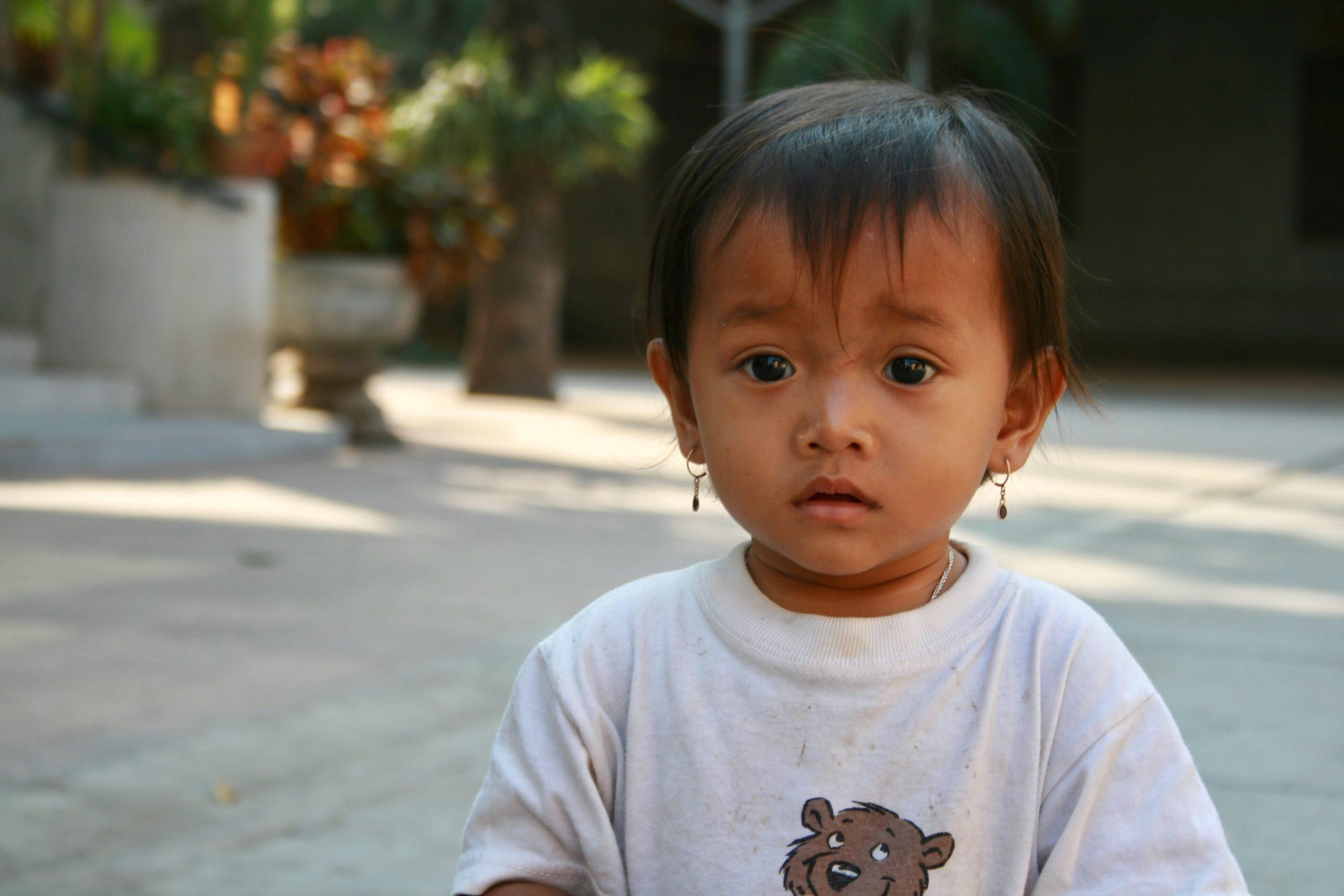 Phnom Penh Kamboçyalı Şeker mi Şeker Bir Çocuk