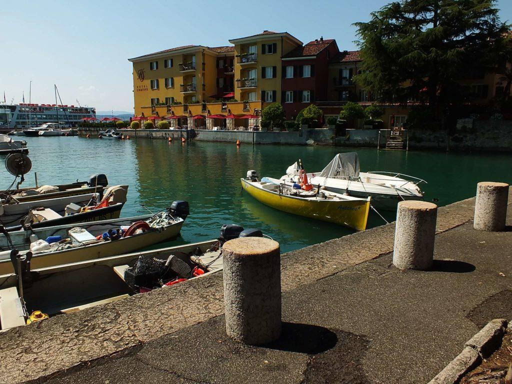 Garda Gölü'nde Bir Feribot
