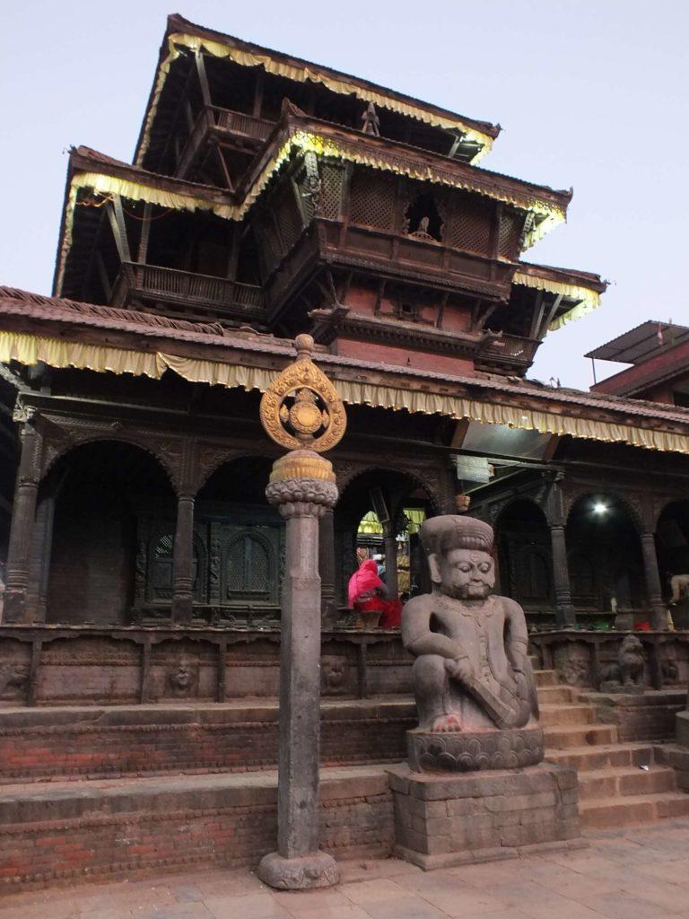Dattatreya Tapınağı (दत्तात्रय मन्दिर)