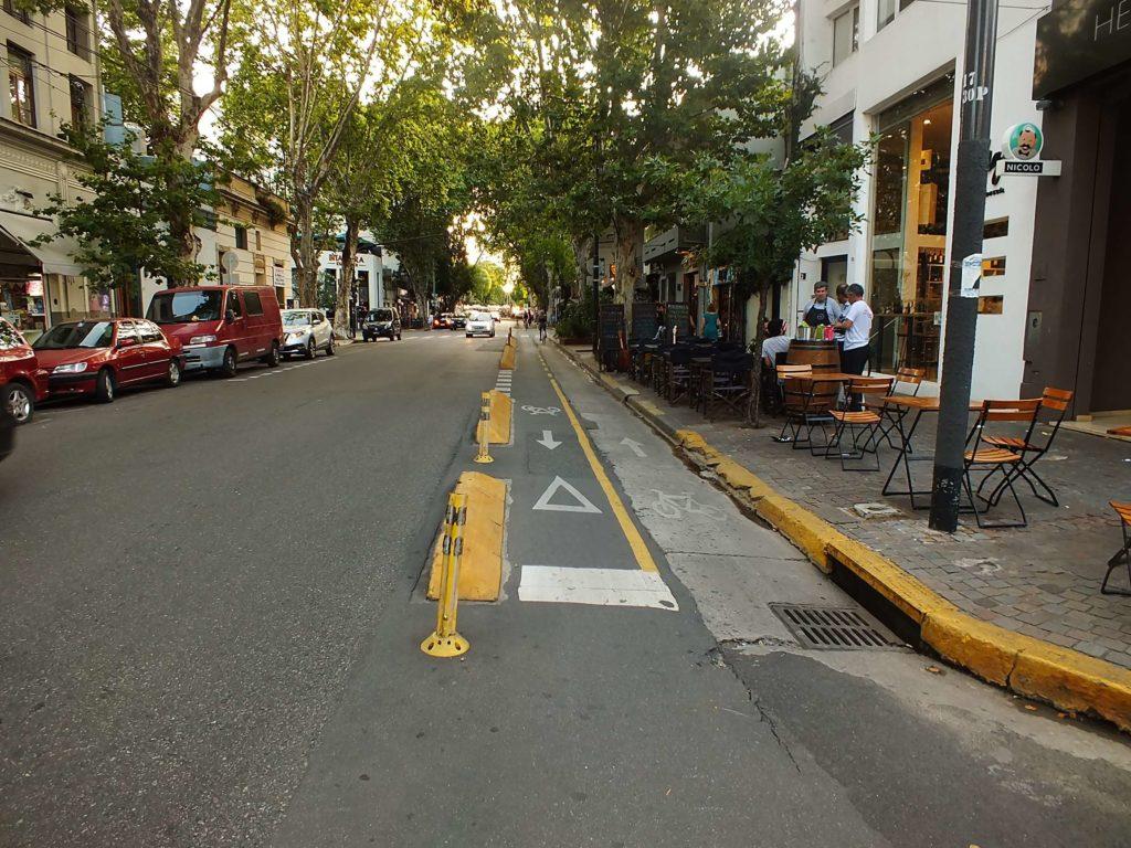 Jorge Luis Borges Caddesi